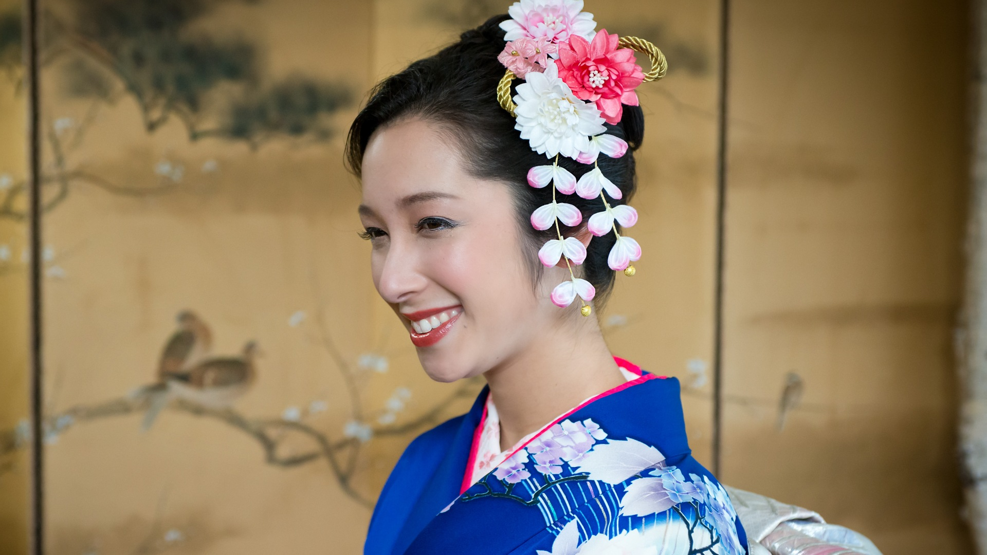 Japanese Kimono, Seijinshiki, Coming of age in Japan,