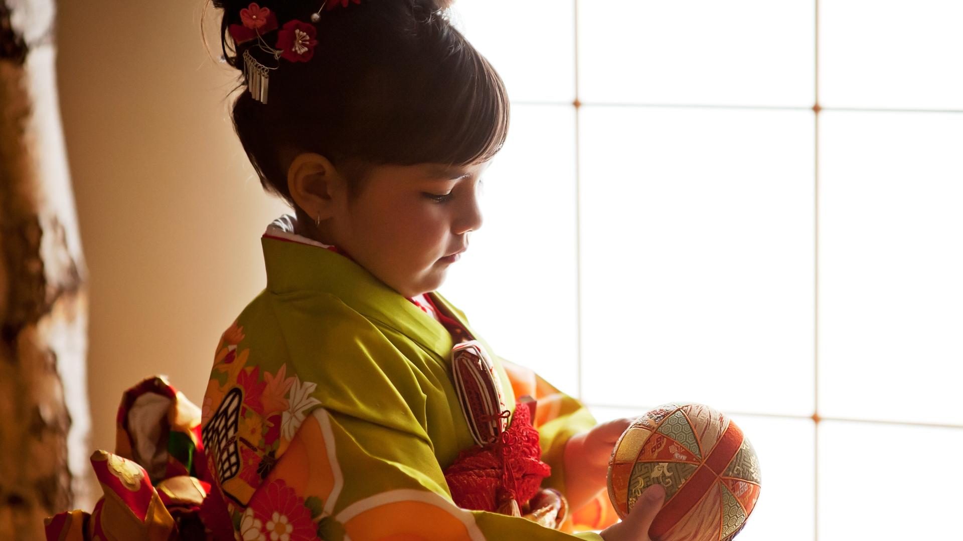 A girl in kimono, Celebrating Shichi Go San, Kimono Photography utilizing natural lighting, Shichi Go San in Los Angeles, Sisters in kimonos,