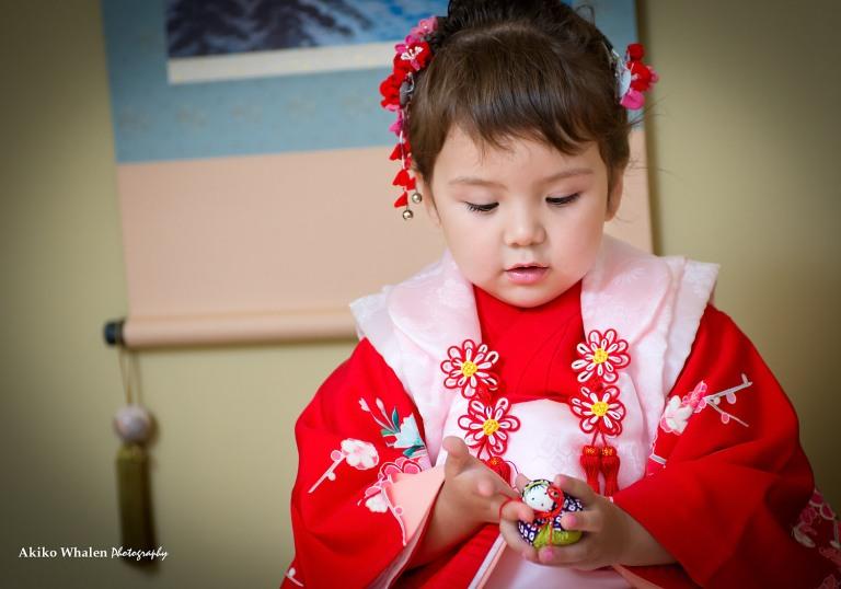 A 3 years old girl enjoying her Shichi Go San in Kimono