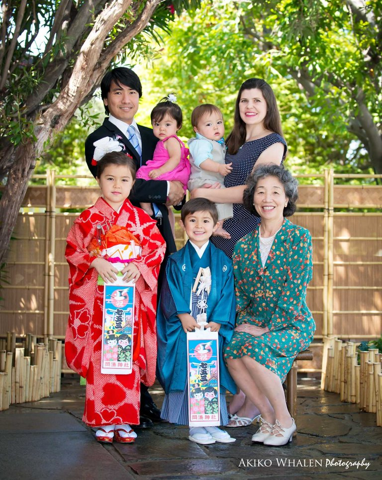 Posing for Shichi Go San, Los Angeles Shichi Go San Photo Session, Japanese children's growth celebration, Japanese Kimonos, Kimono rental in Los Angeles,