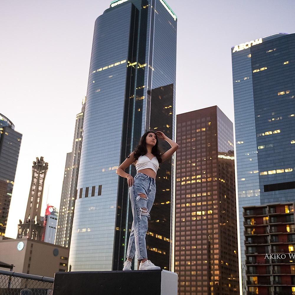 Downtown LA portrait photographer, Teenagers, Skyscraper, night photography, seniors portraits, modern portraits, on location photographer in LA
